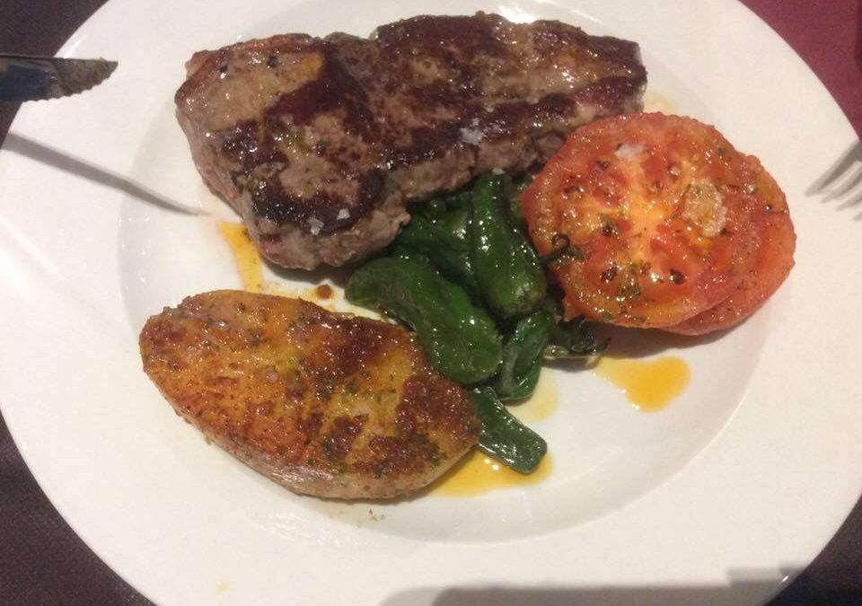 Steak grillezett zöldséggel – 1000 kcal fogyókúrás receptek